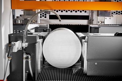 The new KASTOtec AC 5 saws round material up to 530 mm diameter.