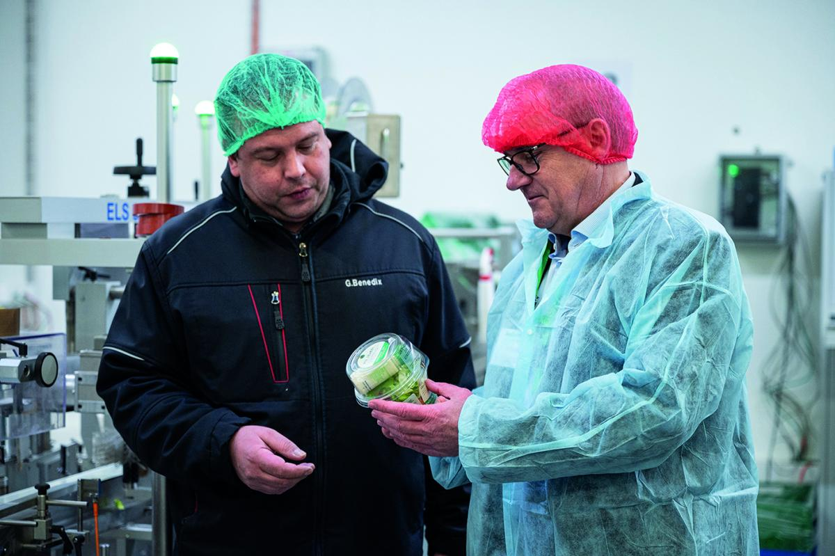 Gordon Benedix, Production Manager at Kellermann(left) and Mr. Remo Weder, Managing Director of SEALPAC