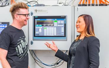 Callum Reeves, Co-Founder and Co-Owner of KAIJU! Beer, with Leonie Wong of Siemens (Photo: Siemens)